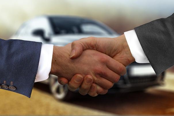Auto gebraucht kaufen,Auto gebaucht in einer Auktion kaufen,in einer Auktion ein Auto Kauf,Liv...png