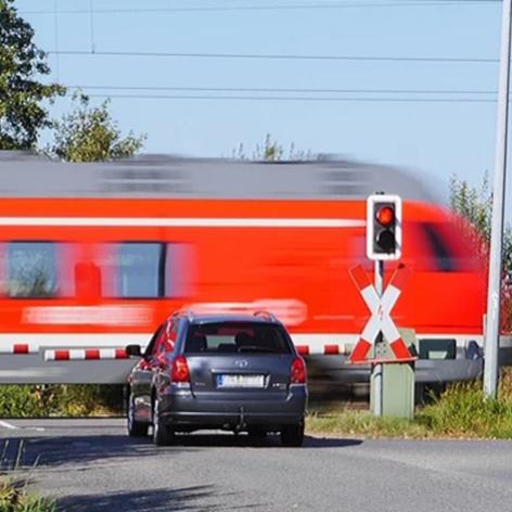Bahnübergang,Übergang,Andreaskreuz,Zeichen 150,Zeichen 151,Abstände,240 Meter,160 Meter,80 Met...png