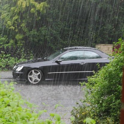 Fahren bei,Autofahren bei,mit dem Auto fahren bei,mit dem KFZ fahren bei,Unwetter,Sturm,starke...png