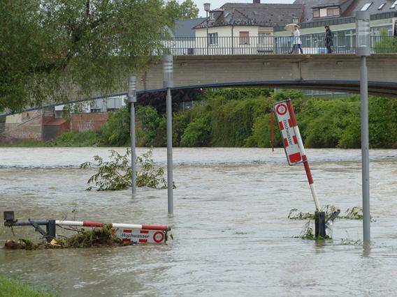 Hochwasser Autobahn Bundestraßen Gefahr Verkehrslage NRW RP Nordrhein-Westfalen Rheinland-Pfalz.png