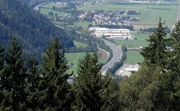 sterreich,Deutschland,Ausland,Elektroautos,Elektrofahrzeuge,E-Autos,E-Fahrzeuge,Hybriden,100-k...png