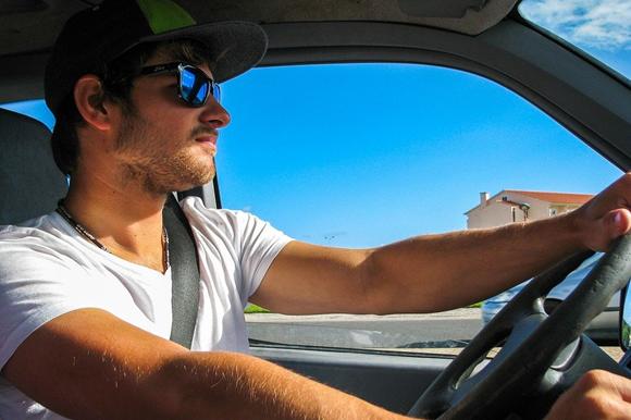 Was tun bei Hitze im Auto große Hitze im Auto was tun Hitze im Auto Ratgeber Tipps Tricks Hilf...png