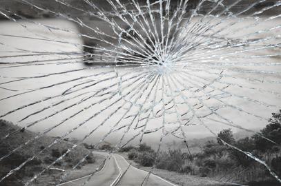 Wer zahlt bei Steinschlag an der Windschutzscheibe Schaden durch Steinschlag an der Autoscheib...png