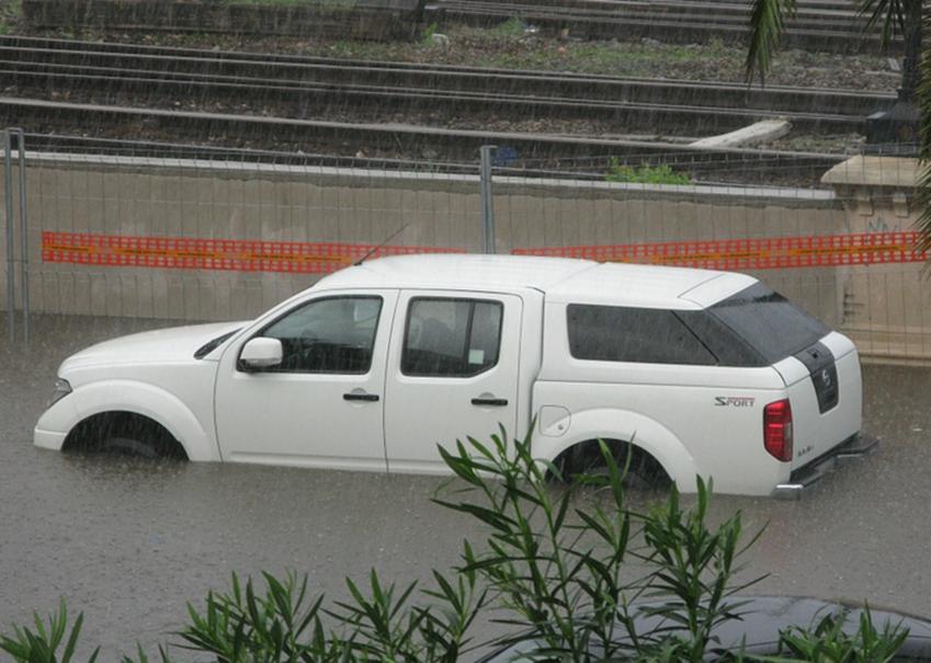 Wer zahlt Schaden durch Hochwasser am Auto,Wer zahlt Schaden durch Überschwemmung am Auto,zahl...png