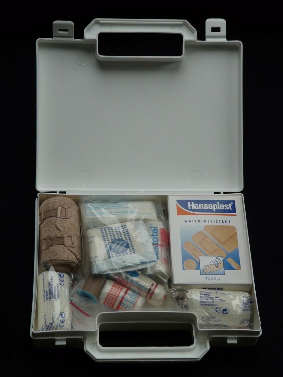 first-aid-kit-62639_1280.jpg