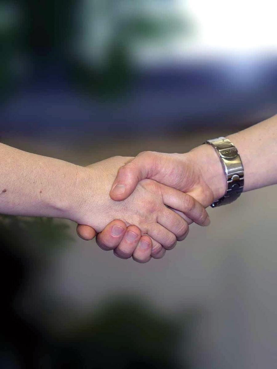 handshake-733239_1280.jpg