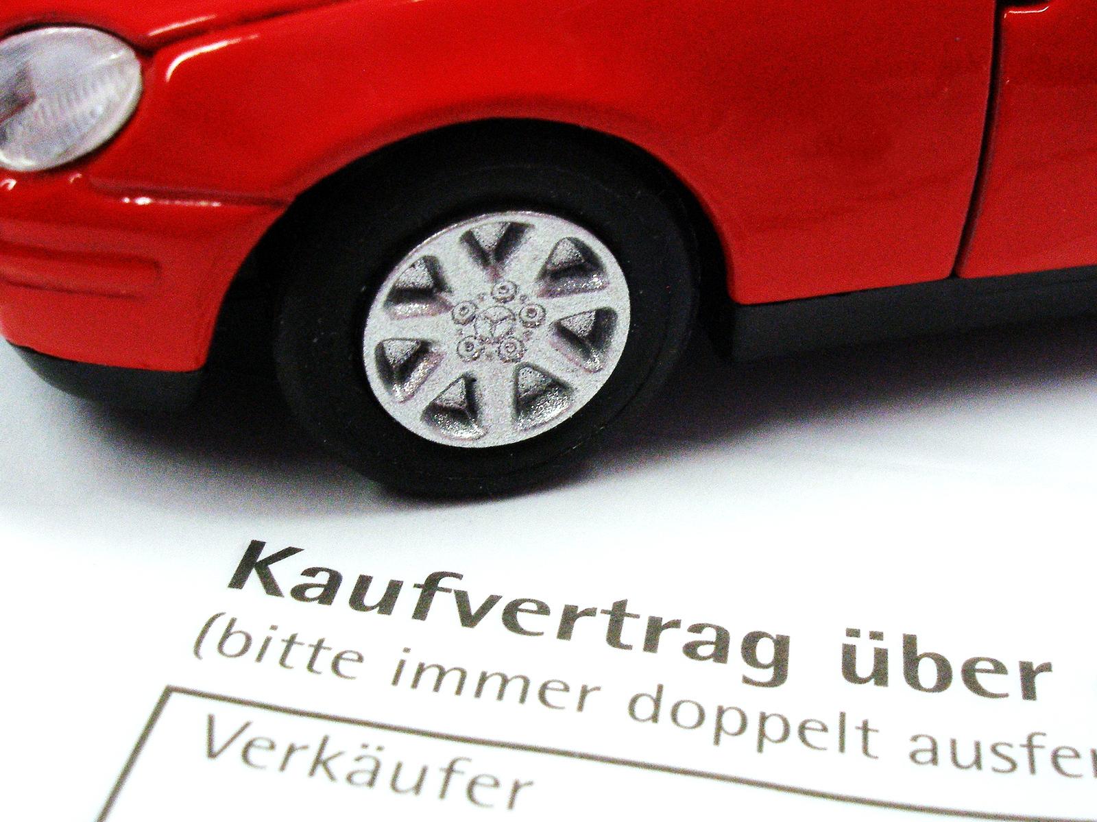 Autokauf-Claudia-Hautumm_pixelio.de_.jpg