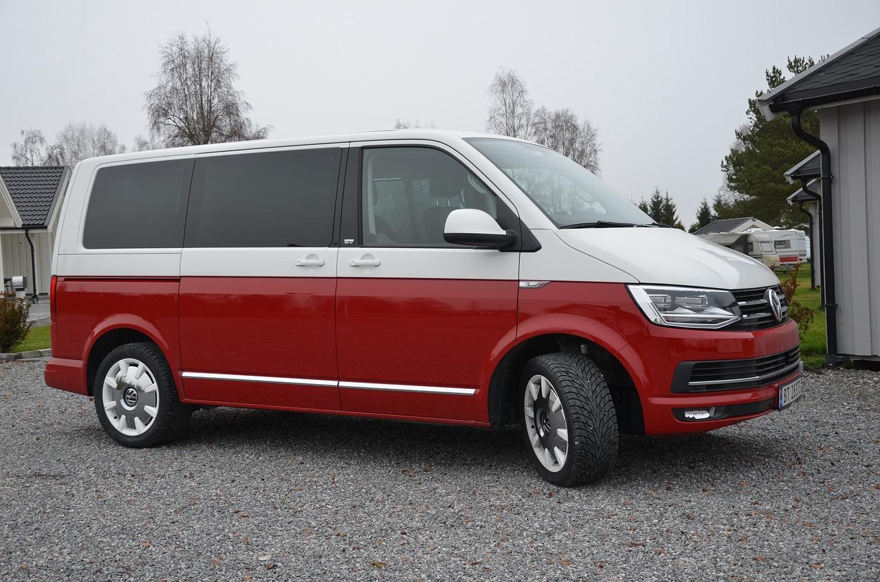 volkswagen-multivan-t6-1116982_1280.jpg
