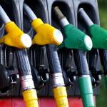Wie heißen Benzin oder Diesel im Ausland und welche Kennzeichen gibt es in Europa?