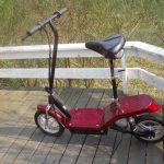 E-Scooter und E-Roller werden im Straßenverkehr zugelassen - Darauf muss man achten!