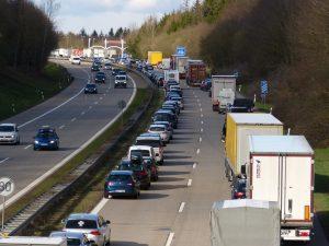 StauprognoseStauvorschauStauPrognoseVorschauPfingstenFerienKurzurlaubBrückentagePfingstferienStauStauszäher-Verkehrzähfließender-VerkehrBerlinBaden-WürttembergBa-WüUrlaub-300x225.jpg