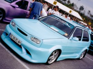 Cars-VW Golf II Mega Tuned 1 - 3rd Maxi Tuning Show - Montme.jpg
